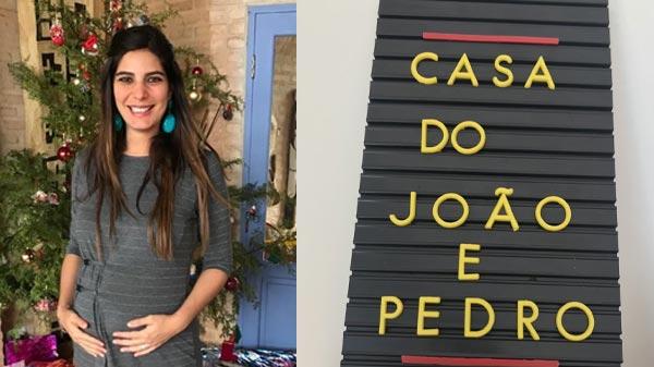 fotomontagem com Andréia Sadi, segurando a barrigam enquanto estava grávida e ao lado, uma placa com caracteres amarelos e fundo preto, escrito: